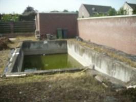 Renovatie van bestaande zwembaden kunnen ook door Wolters Zwembaden worden uitgevoerd. Of het nu gaat om foliebaden waarvan de folie door de loop der tijd aan vervanging toe is of om beton- of betegelde baden, die voorzien worden van zwembad folie.