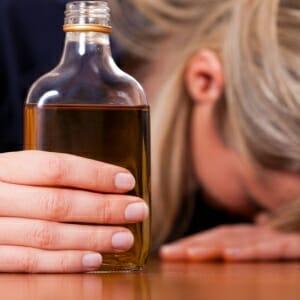 Алкогольді қыз
