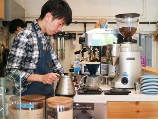 「YOUR DAILY COFFEE 」の店長