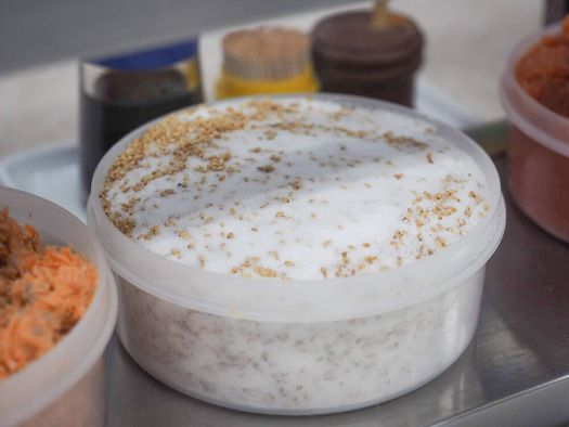 「おにぎり ぼんご」で使う沖縄の塩