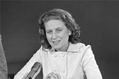 Men of Svetlana Alliluyeva: what made Stalin's daughter marry ...