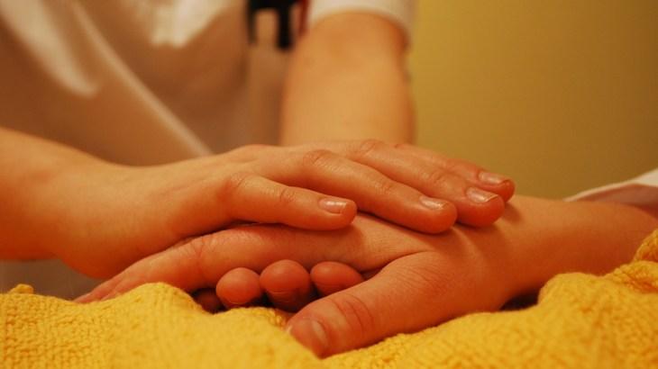 親族の介助・看護がしんどい!ストレス軽減のためのメソッド