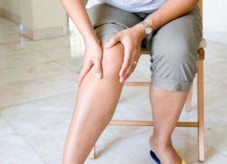 Почему болят ноги ниже колен причины появления боли спереди сзади сбоку
