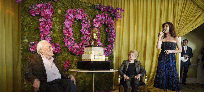 Кирк Дуглас отметил свое 100-летие роскошной вечеринкой