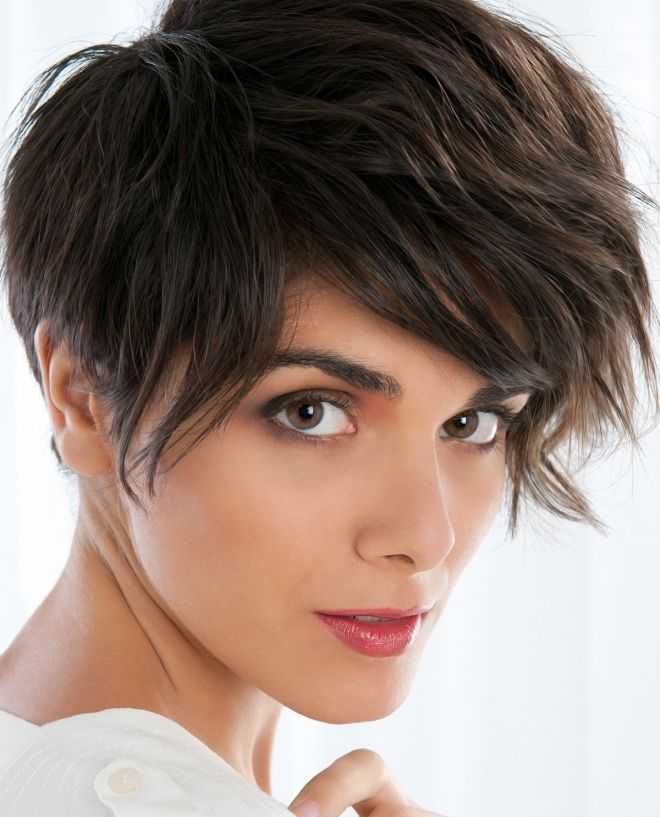 haircuts with oblique bangs for short hair brunet