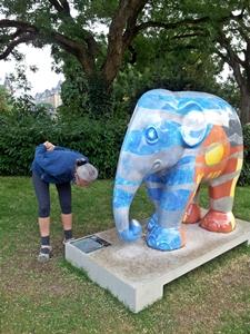 20130828_200730 Luxembourg fiberglass elephants 300
