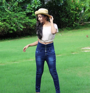 Combine the crop top with my high waist jeans!