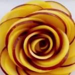 Розы из фруктов