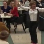 старушки танцуют твист