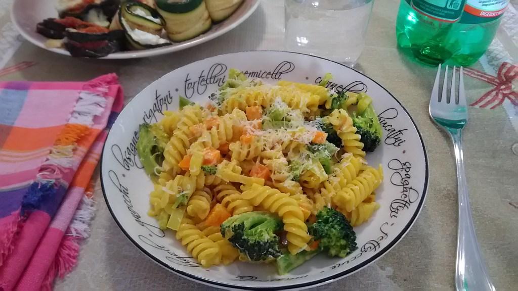 Pasta al condimento di verdure