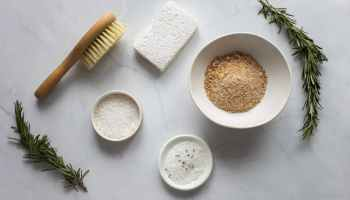 brush for dry massage composed with natural scrub and rosemary