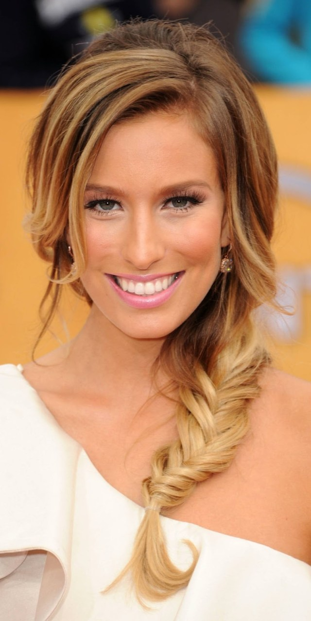 5 easy updo's for mid-length hair - women hairstyles