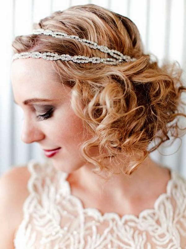 Curly Hairstyle With Headband For Christmas Party Women