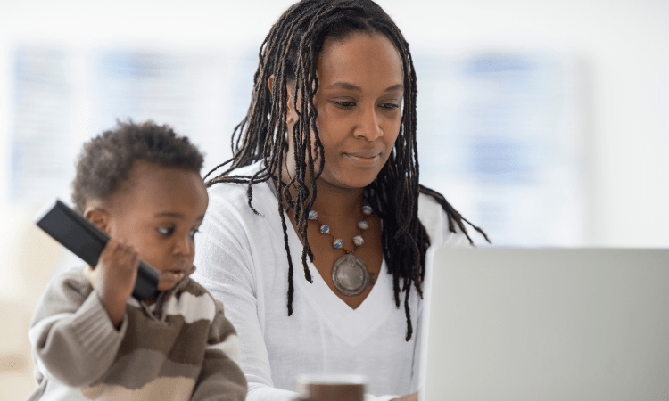 7 Online Business Ideas for Moms