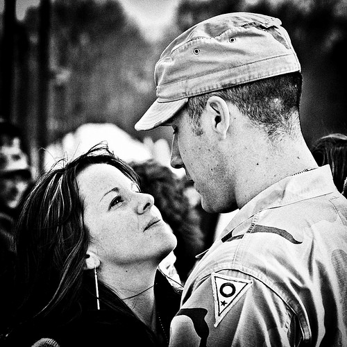 4 Ways You Can Reach Out to Military Wives