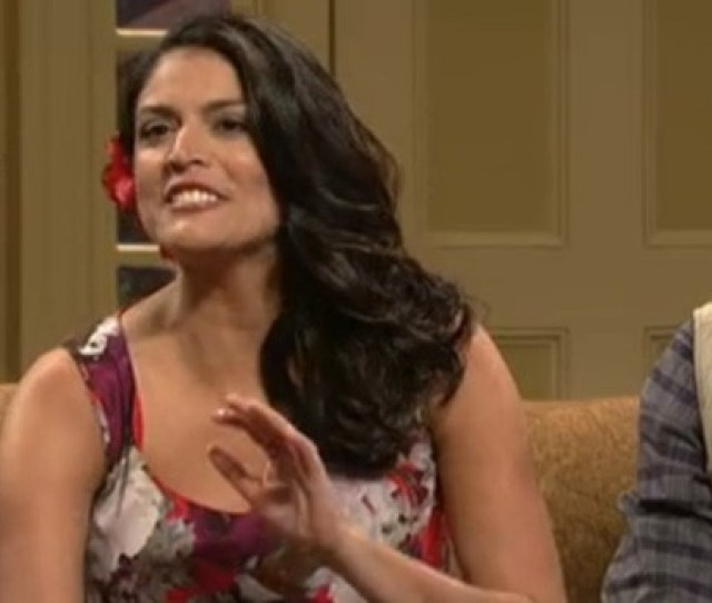 Tv Latina Women Demand Snl Hire Latina Comedienne After Offensive Caricature