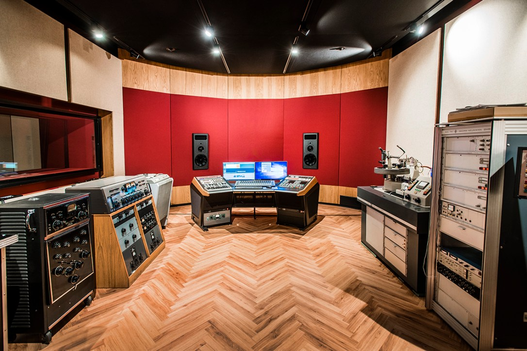 Pinna-Record Industry-63