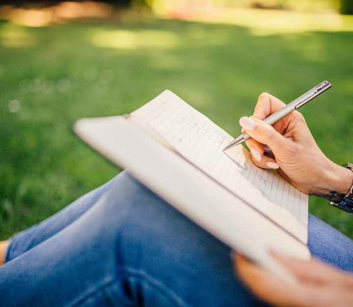 How To Write An Accurate And Informative College Essay Title?