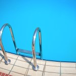 5 Pro Tips on How to Keep Your Swimming Pool Clean