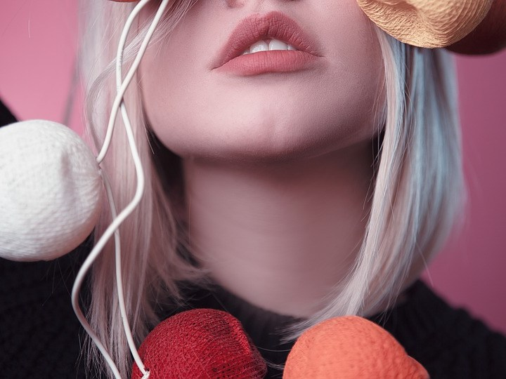 How To Achieve Healthy Natural Lips For Fall?