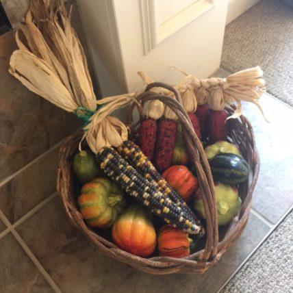 basket-of-pumkins-and-corn