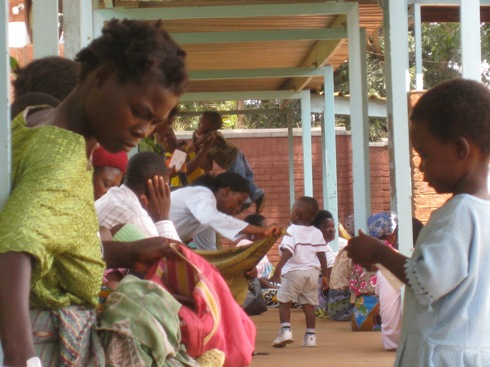 MALAWI: Birth assistants allowed to encourage greater birth safety