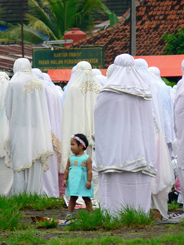 Indonesia: Women and radical religious roles