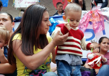 COLOMBIA: Mothers in prison share jail with their babies