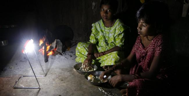 Solar lamps bring usable private home energy to rural India