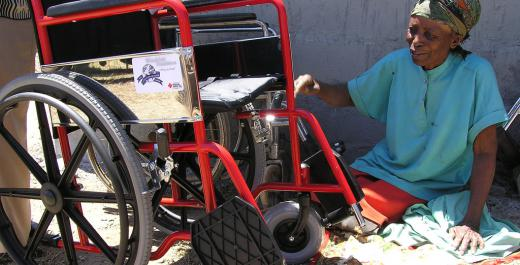 ZIMBABWE: Improving a woman's life of disability through art