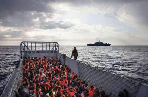6,000 displaced persons rescued, including newborns & children, off Italy's coast