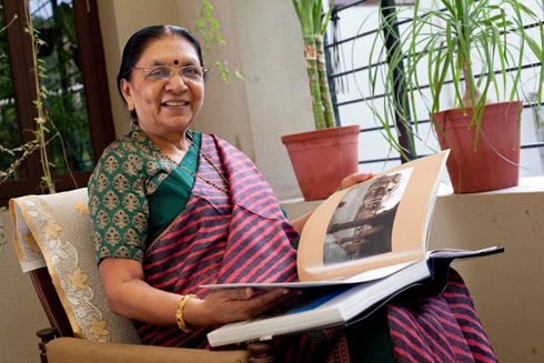 [India] Anandiben Patel Takes Oath: Gujarat Gets its First Woman Chief Minister