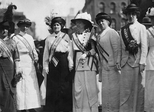 14 Things Women Couldn't Do 96 Years Ago