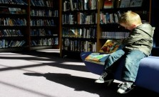 5 Reasons why your child should read books!