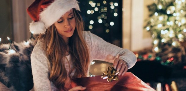 7 Amazing gifts to gift your partner this Christmas!