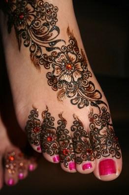 bridal mehndi feet