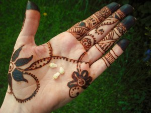 Simple Mehndi Design for Girls