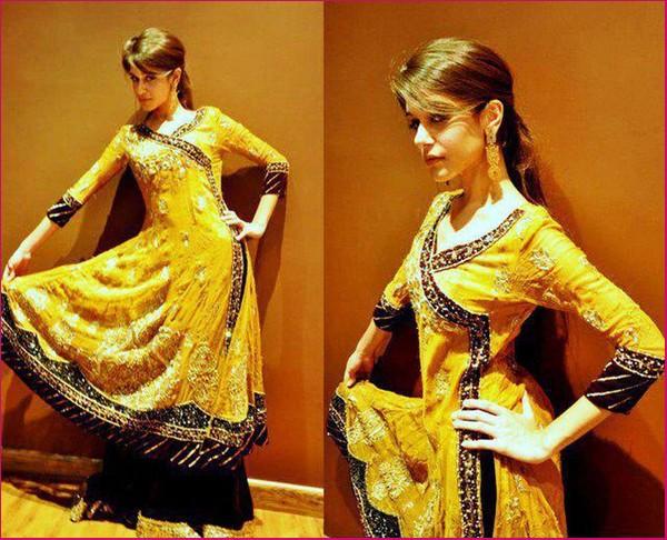 Mehndi Dress With Hijab : Pakistani mehndi dress