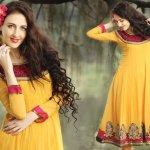 MEHNDI DRESSES FASHION IN PAKISTAN