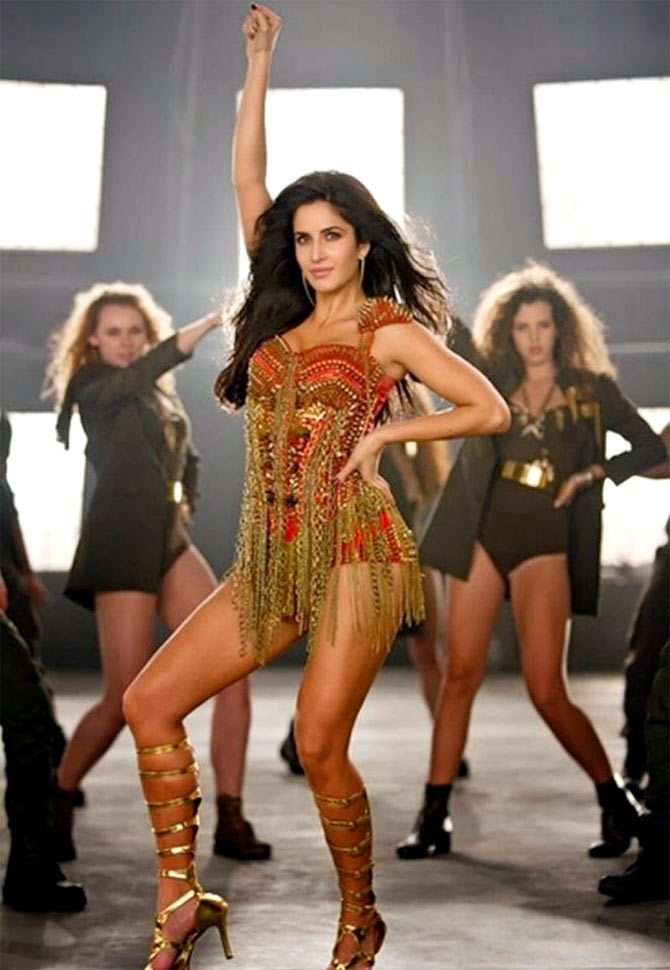 Dhoom 3 Reviews Image 01
