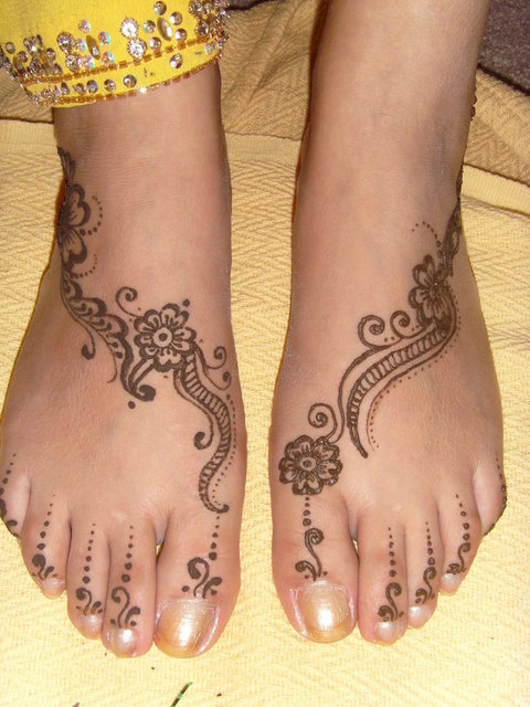rajasthani mehndi designs for legs Image 02