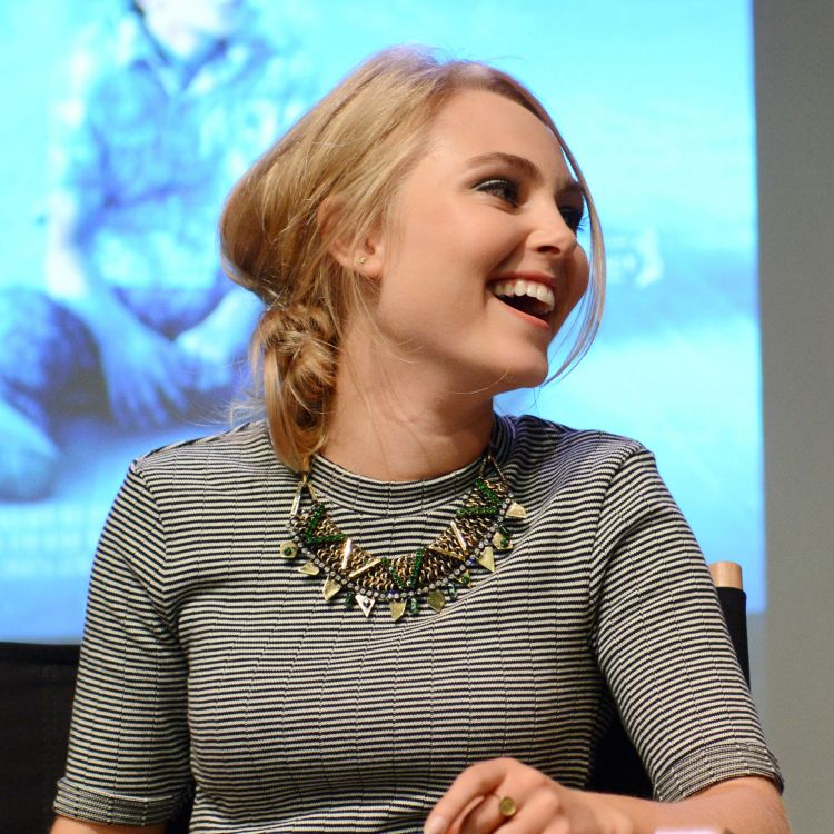 Most Beautiful Actresses unde Anna Sophia Robb 04