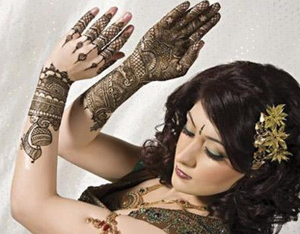 Trend of Mehndi Designs with Outline