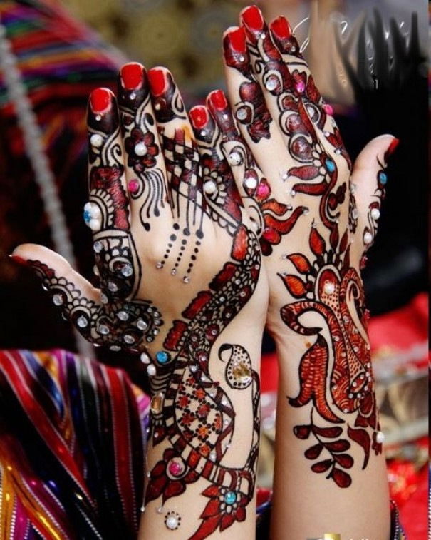 Trend of Mehndi Designs with Outline 11