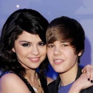 selena gomez pregnant belly, Selena Gomez Pregnant