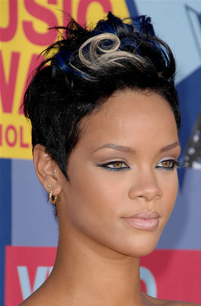 Rihanna hairstyle pictures 2014 rihanna hairstyle ideas rihanna shaved hairstyles rihanna 2008 hairstyles pmusecretfo Images
