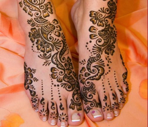Mehndi-Design-For-Foot-Legs