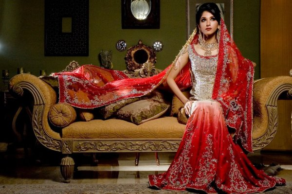 Red-Colour-Bridal-Dresses