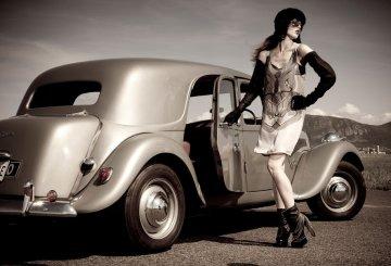 retro vintage or fashion stuff , retro vintage or fashion