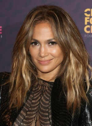 Layered Hair Cuts for Over 40 Women: watch the stunning ladies of Hollywood